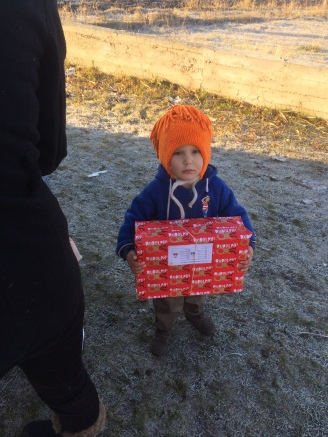 Shoeboxes Day nr 2 010