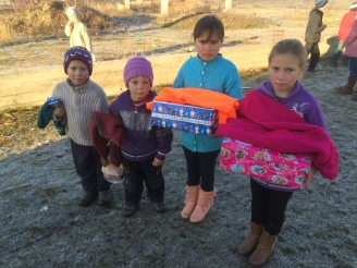 Shoeboxes Day nr 2 015