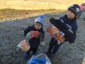 Shoeboxes Day nr 2 022