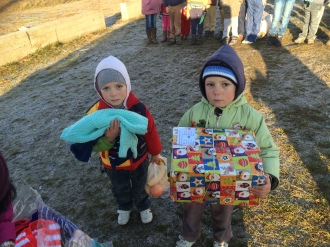 Shoeboxes Day nr 2 026