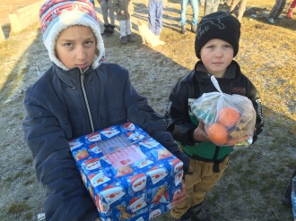 Shoeboxes Day nr 2 035