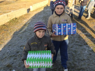 Shoeboxes Day nr 2 036