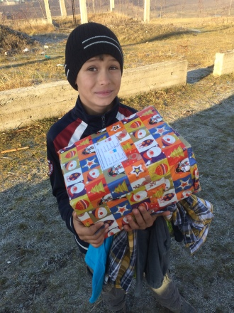 Shoeboxes Day nr 2 052